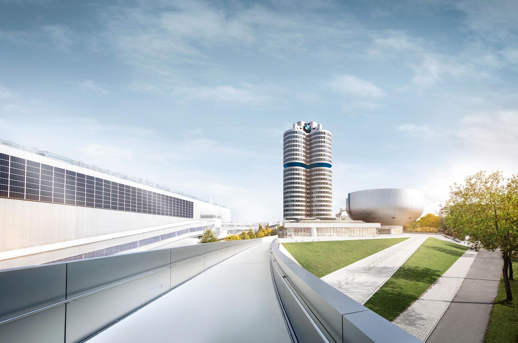Dienstag-News: Porsche auf der Autobahn, ifo zeichnet düstere Aussichten, BMW meldet über 20% Rückgang, China verlängert E-Fahrzeug-Subventionen